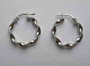 2cm wide 9Ct White Gold lightweight high polished twist Hoop Earrings 1g